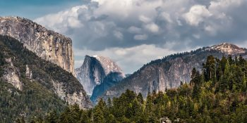 Entering Yosemite Valley (California)
