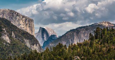 Entering Yosemite Valley (California)