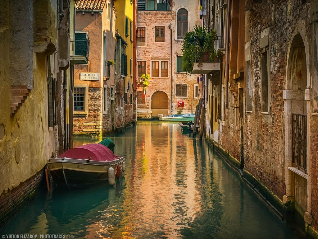 The photo of Venice canal shot with 35mm lens
